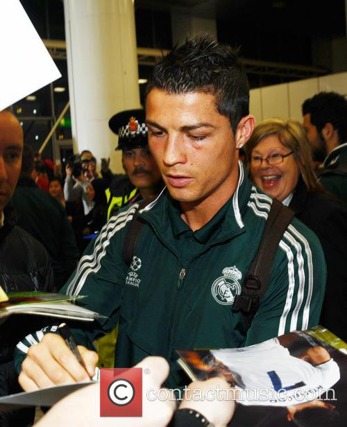 Cristiano Ronaldo, Manchester Airport, Real Madrid's and Manchester Cit 1