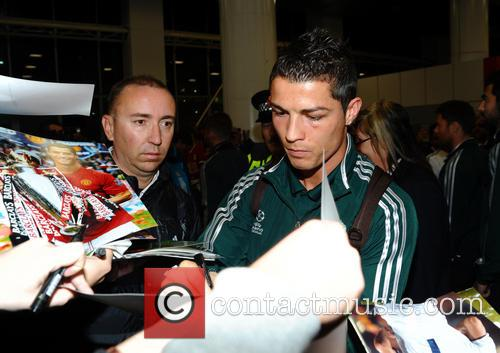 Cristiano Ronaldo, Manchester Airport, Real Madrid's and Manchester Cit 3