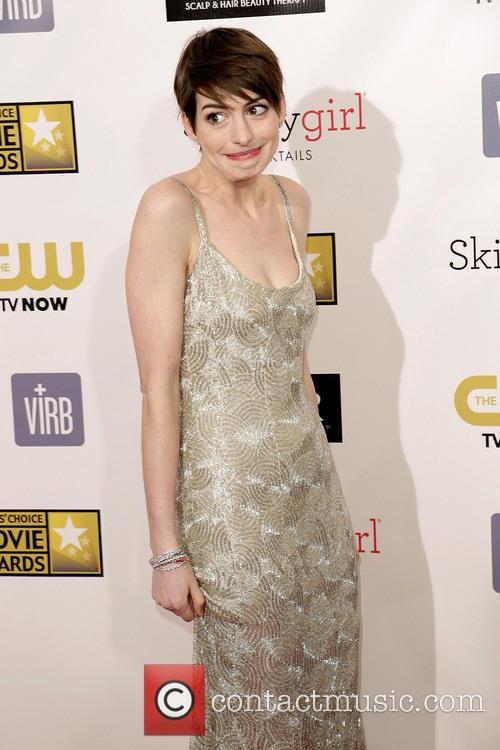 anne hathaway 18th annual critics choice movie 20051605
