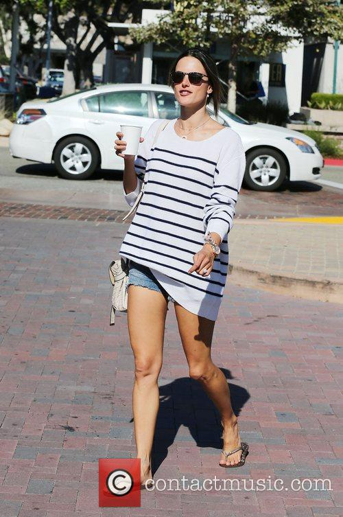 alessandra ambrosio grabs a coffee at the 3990358