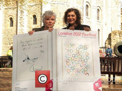Julie Walters, Meera Syal and Tower Of London 7