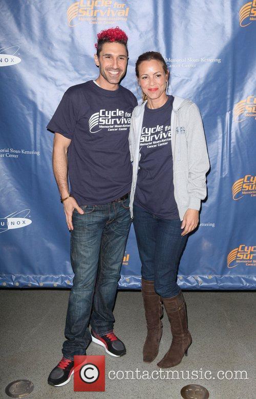 Ethan Zohn, Maria Bello Ride for Rare Cancers...
