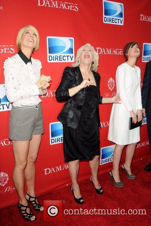 Jenna Elfman and Glenn Close 4