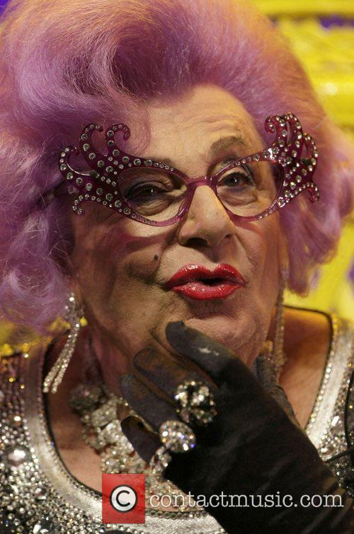 Barry Humphries 20