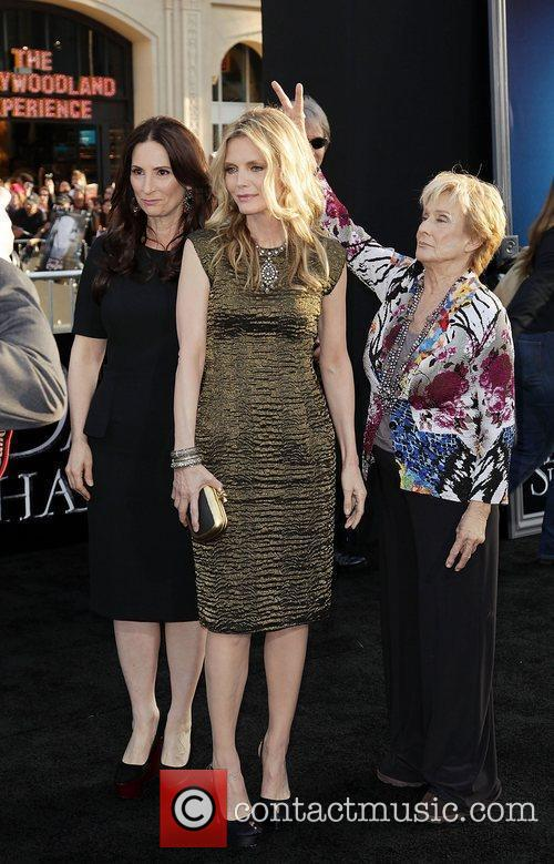 Rona Pfeiffer, Michelle Pfeiffer and Cloris Leachman Dark...