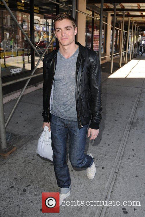 dave franco leaving his hotel in soho 5821873