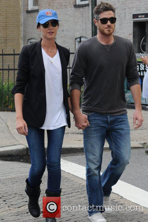 David Annable and Odette Yustman 10
