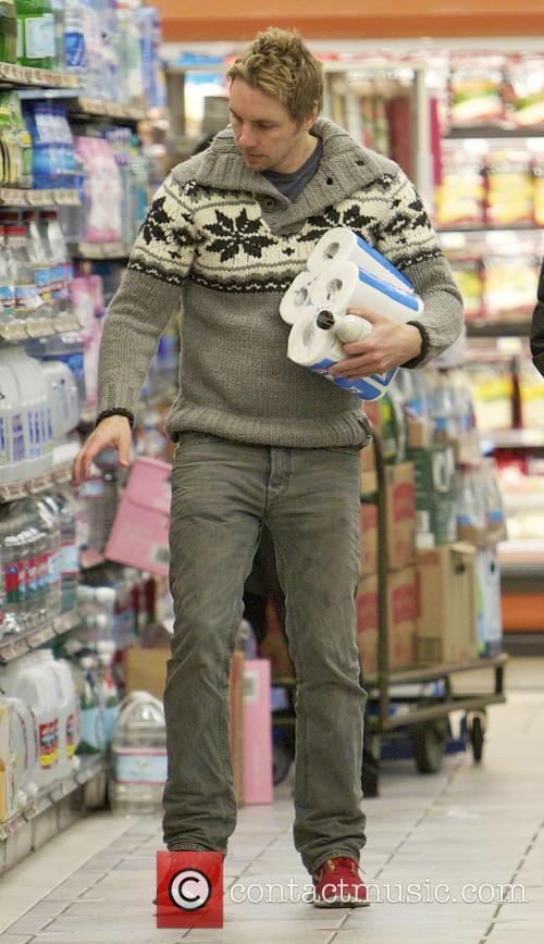 Dax Shepard goes shopping for groceries at Gelson's...