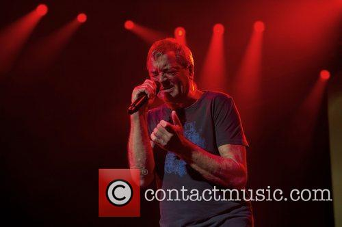 ian gillan of deep purple performing at 4190390