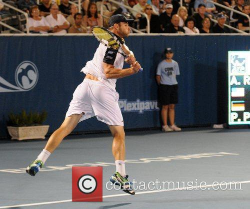 Participates in the Delray Beach International Tennis Championships