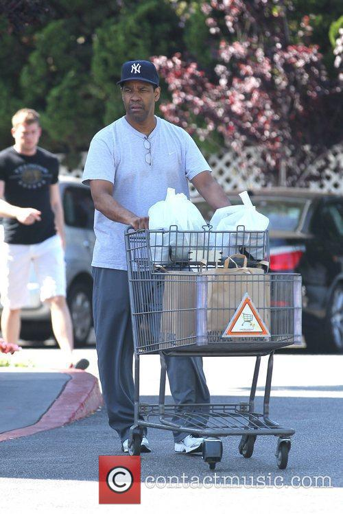 Denzel Washington and Bristol Farms 5