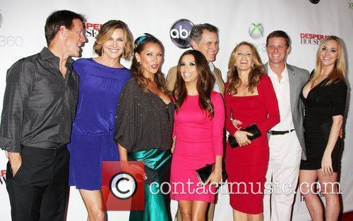 James Denton, Andrea Bowen, Brenda Strong, Doug Savant, Eva Longoria, Felicity Huffman, Mark Moses and Vanessa Williams 2