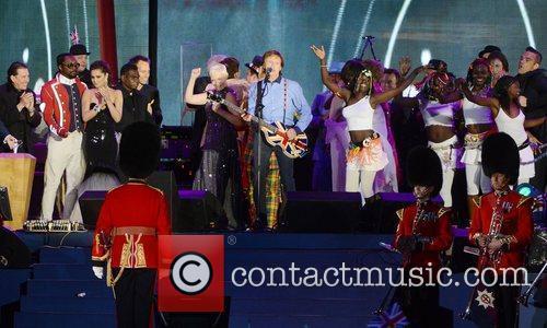 Sir Paul Mccartney, Annie Lennox, Buckingham Palace and Cheryl Cole 2