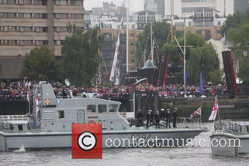 atmosphere the queens diamond jubilee river pageant 5857520