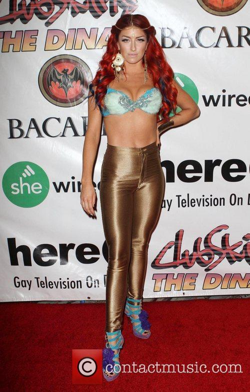 Neon Hitch 6