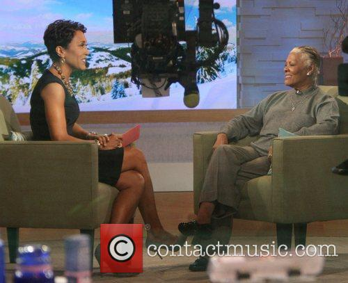 Robin Roberts, Abc, Dionne Warwick and Good Morning America 3