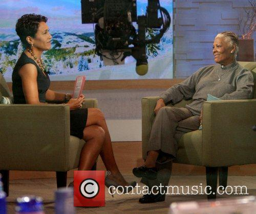 Robin Roberts, Abc, Dionne Warwick and Good Morning America 1