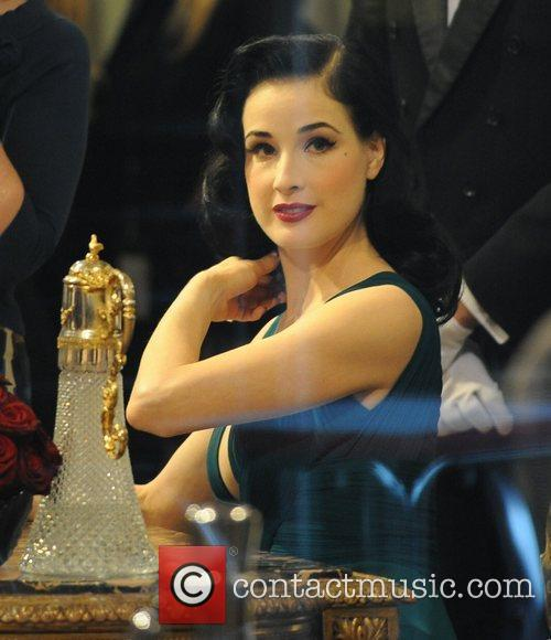 dita von teese signs autographs during her 3856688