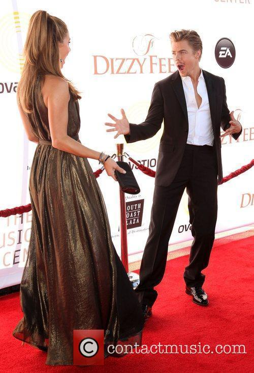 Maria Menounos and Derek Hough 7