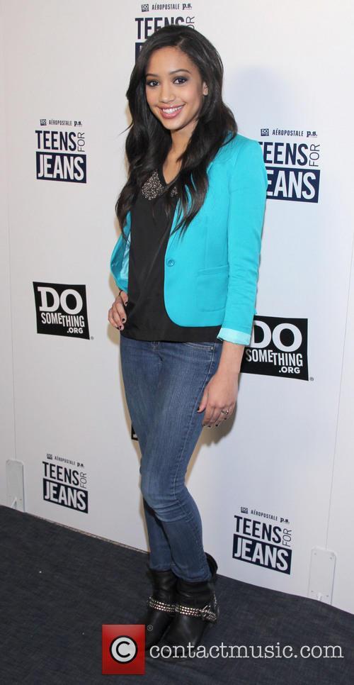 Samantha Logan 1