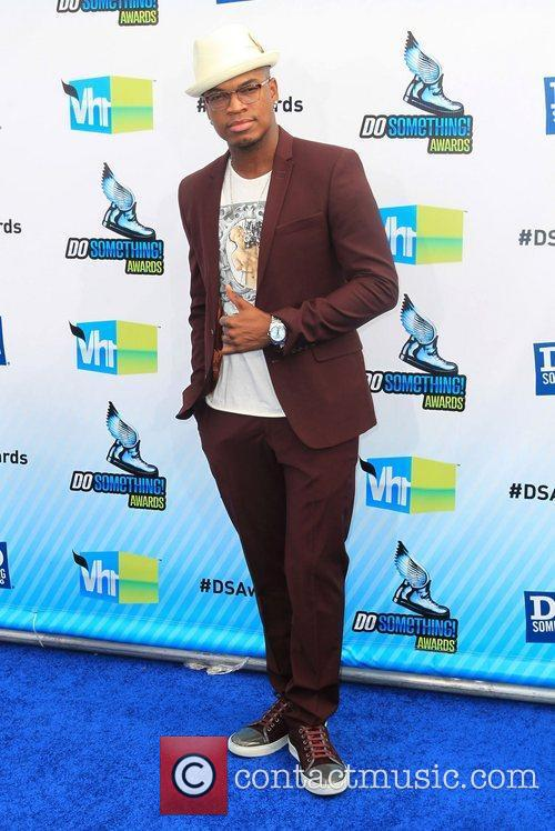 ne yo at the dosomethingorg and vh1s 4039648