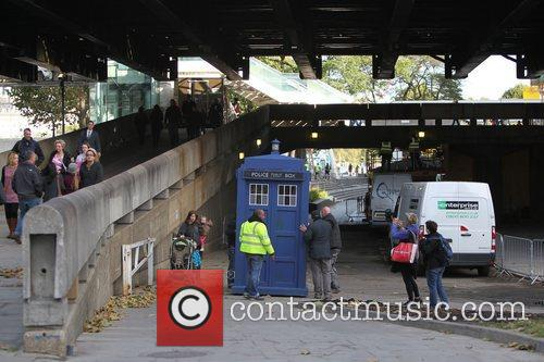 The Tardis, Doctor Who and London 5