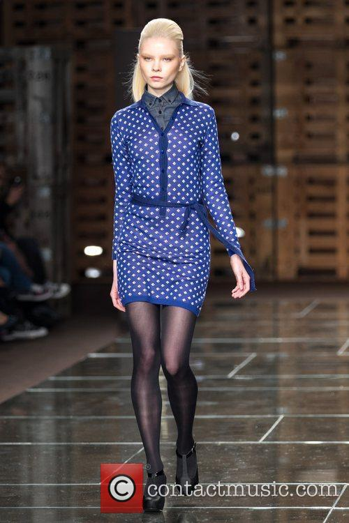 Model Portugal Fashion Week- Fall/Winter 2012- Dom Colleto-...