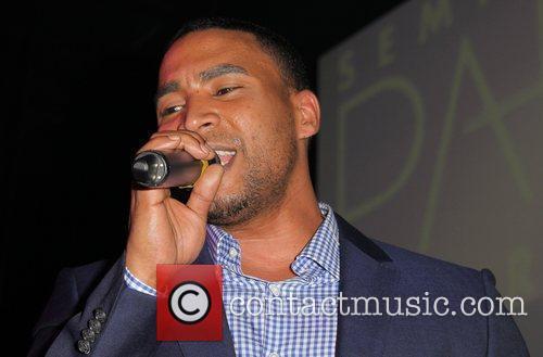 don omar performing at opium nightclub in 3947573