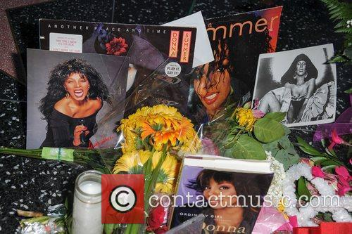 Donna Summer and Walk Of Fame 7