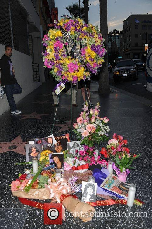 Donna Summer and Walk Of Fame 8