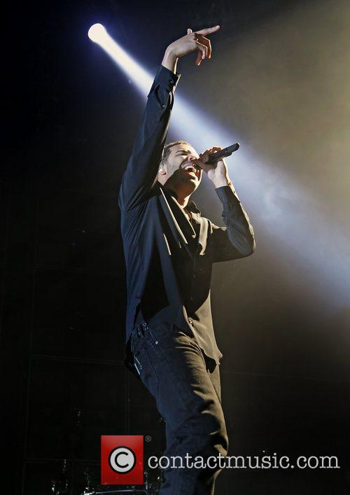 Drake and Manchester Evening News Arena 4