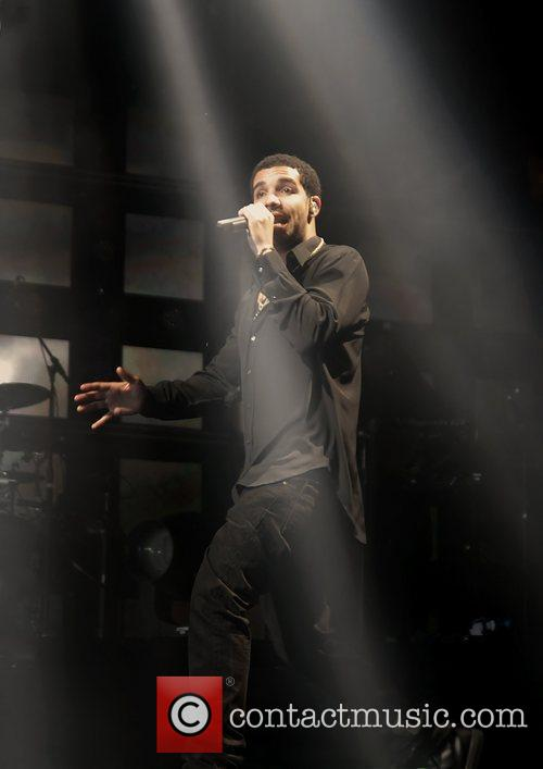 Drake and Manchester Evening News Arena 6