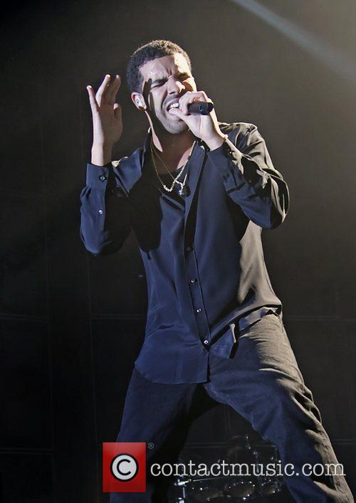 Drake and Manchester Evening News Arena 7