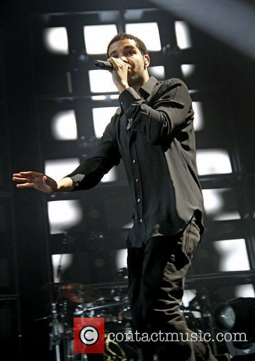 Drake and Manchester Evening News Arena 8