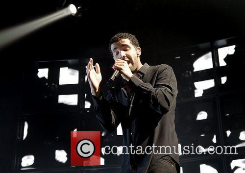 Drake and Manchester Evening News Arena 10