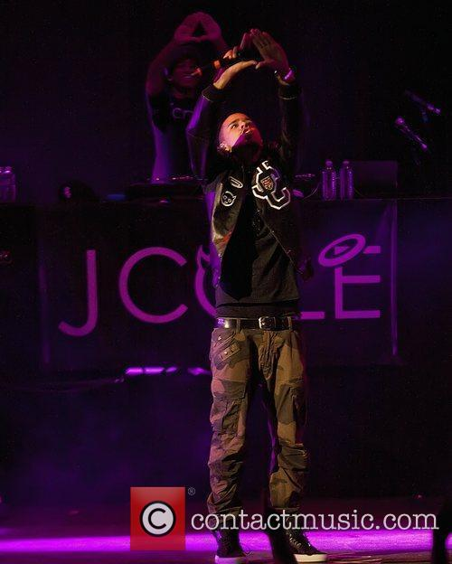 j cole performs live at ashley furniture 5840342