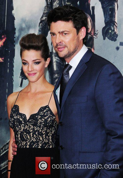 Olivia Thirlby and Karl Urban 4