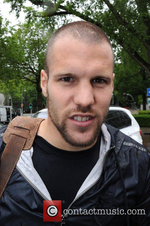 The 33-year old son of father (?) and mother(?), 189 cm tall Ron Vlaar in 2018 photo