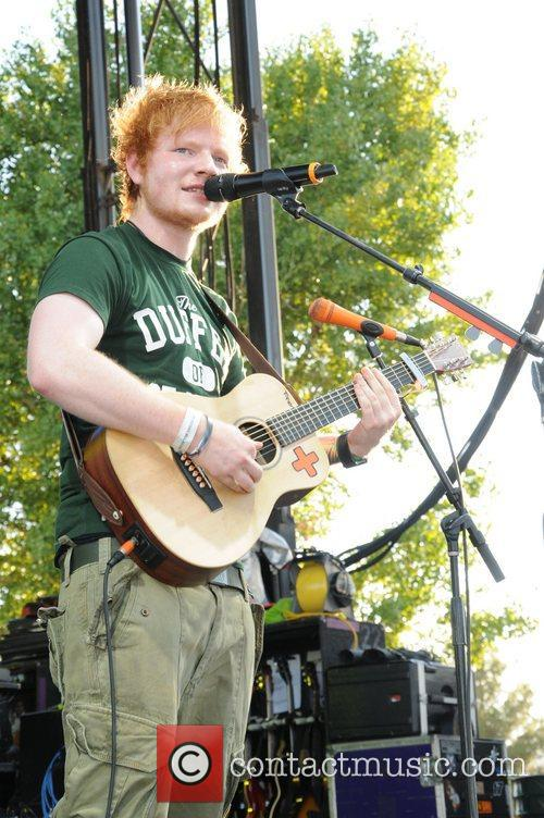 ed sheeran performs live at bite of 5924422