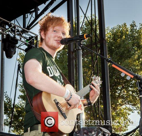 ed sheeran performs live at bite of 5924026
