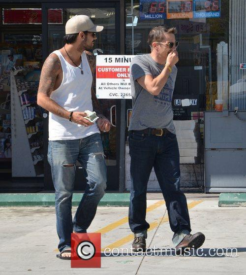 Eduardo Cruz and Olivier Martinez 8