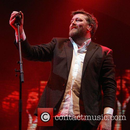 Guy Garvey, Elbow and O2 Arena 9