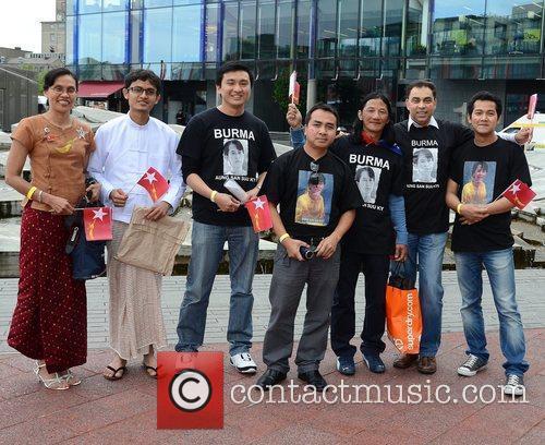 Burmese people Guests honour Aung San Suu Kyi...