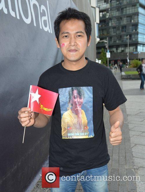 Win Moe Aung Guests honour Aung San Suu...