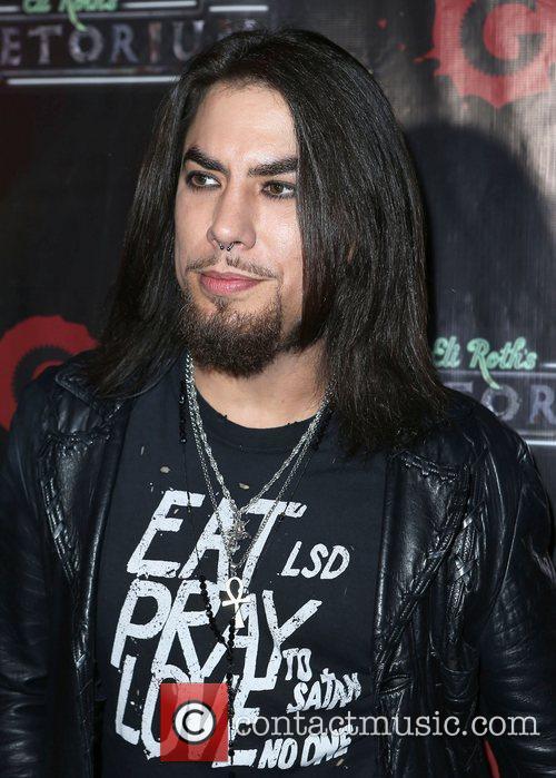 Dave Navarro 7