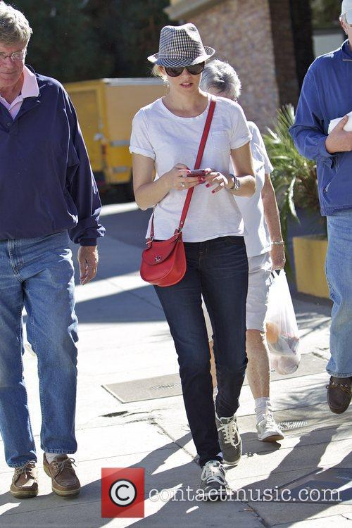 Elizabeth Banks and Farmers Market 9