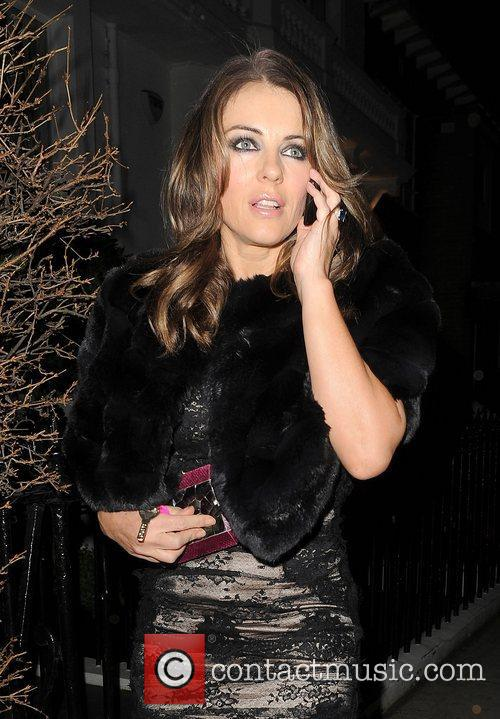 elizabeth hurley leaving her house to attend 4187462