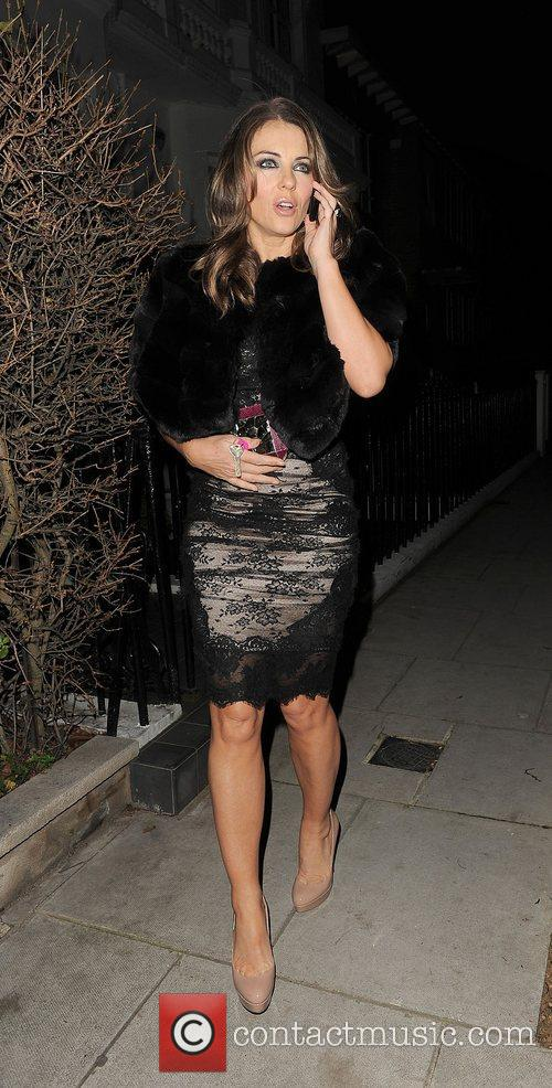 elizabeth hurley leaving her house to attend 4187466