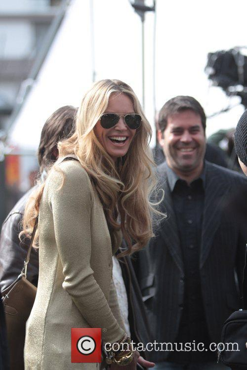 elle macpherson at the grove to appear 5797178