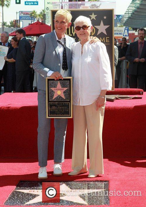 Ellen Degeneres And Her Mother Betty 5904019jpg